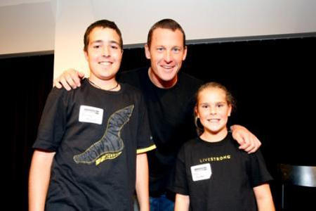 image Ǭ© 2010 Lance Armstrong Foundation