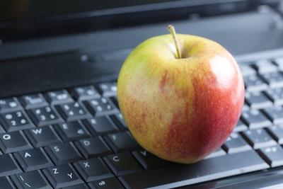 Computer & Apple